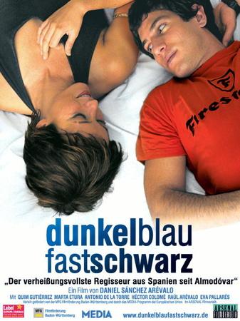 Filmplakat dunkelblaufastschwarz - Azuloscurocasinegro - span. OmU
